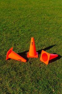 Image de Lot de 4 pièces Cônes en PVC Orange 23cm